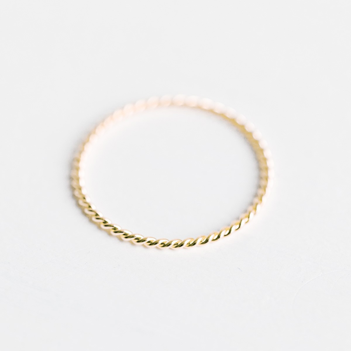 Oh Bracelet Berlin – Ring in Kordel-Optik, vergoldet inkl Box