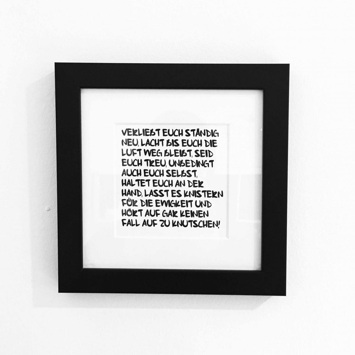 """Love is the new black - Motiv """"Verliebt Euch ständig neu"""" gerahmt 19x19 cm"""