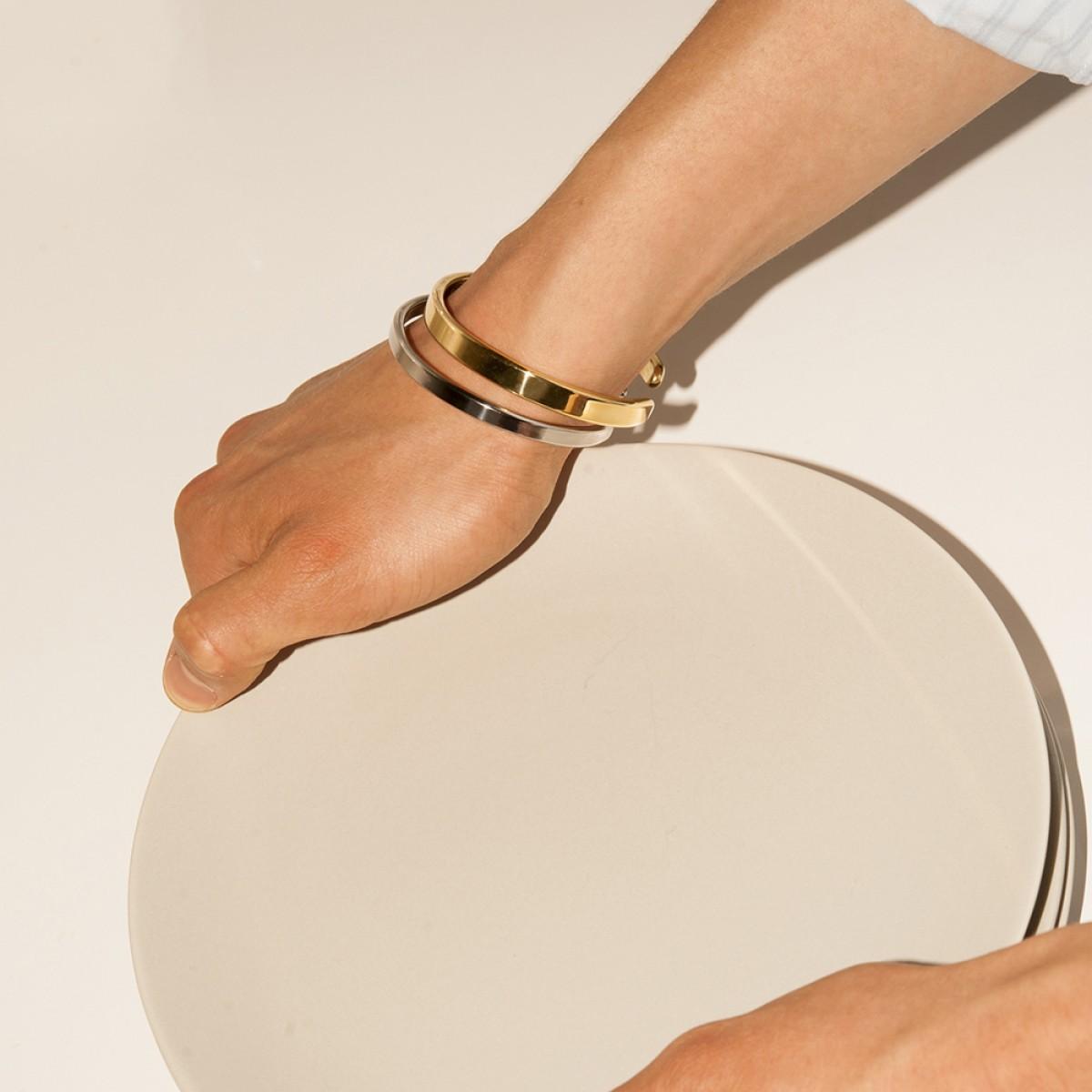 Lois Mathar – Armband Messing, breit, 6 mm