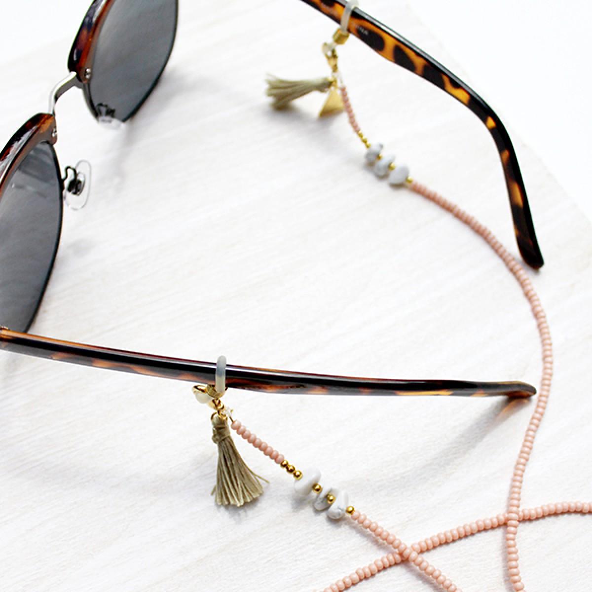 'Marbleous Yoga' Brillenkette von Weiskönig Jewelry