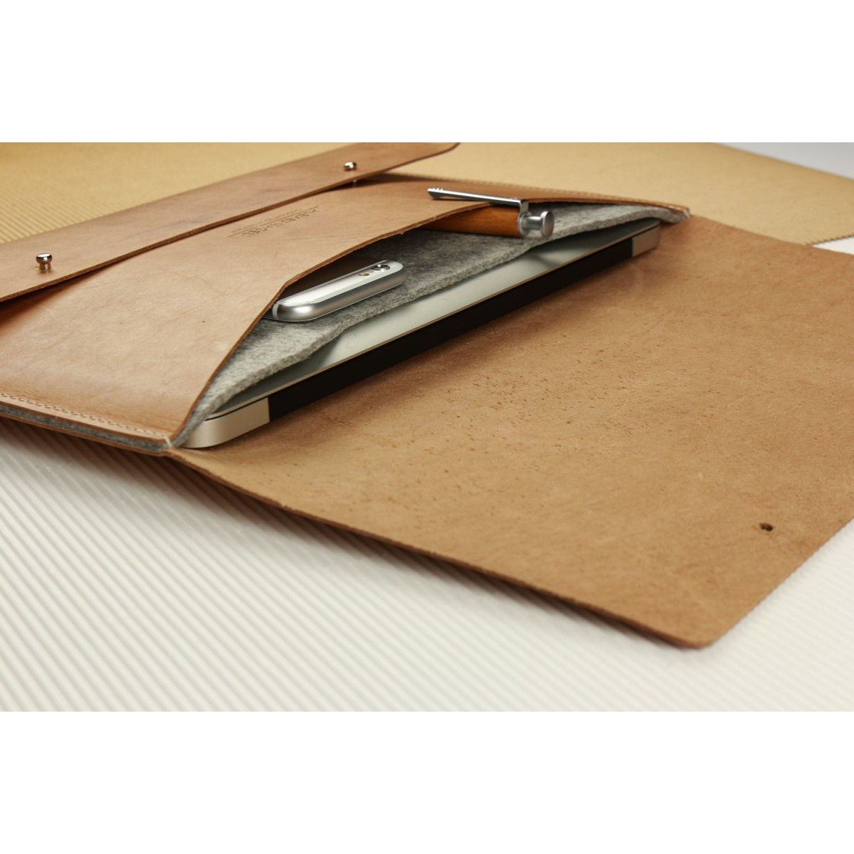 """Alexej Nagel Elegante MacBook 12""""/11"""" Hülle aus Vintage Leder [V]"""