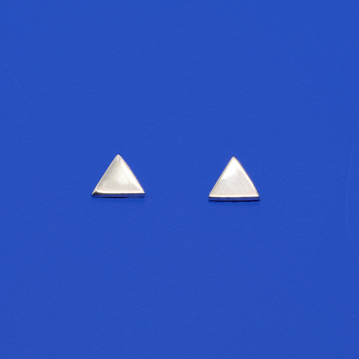 fejn jewelry - Ohrstecker 'triangle shiny'