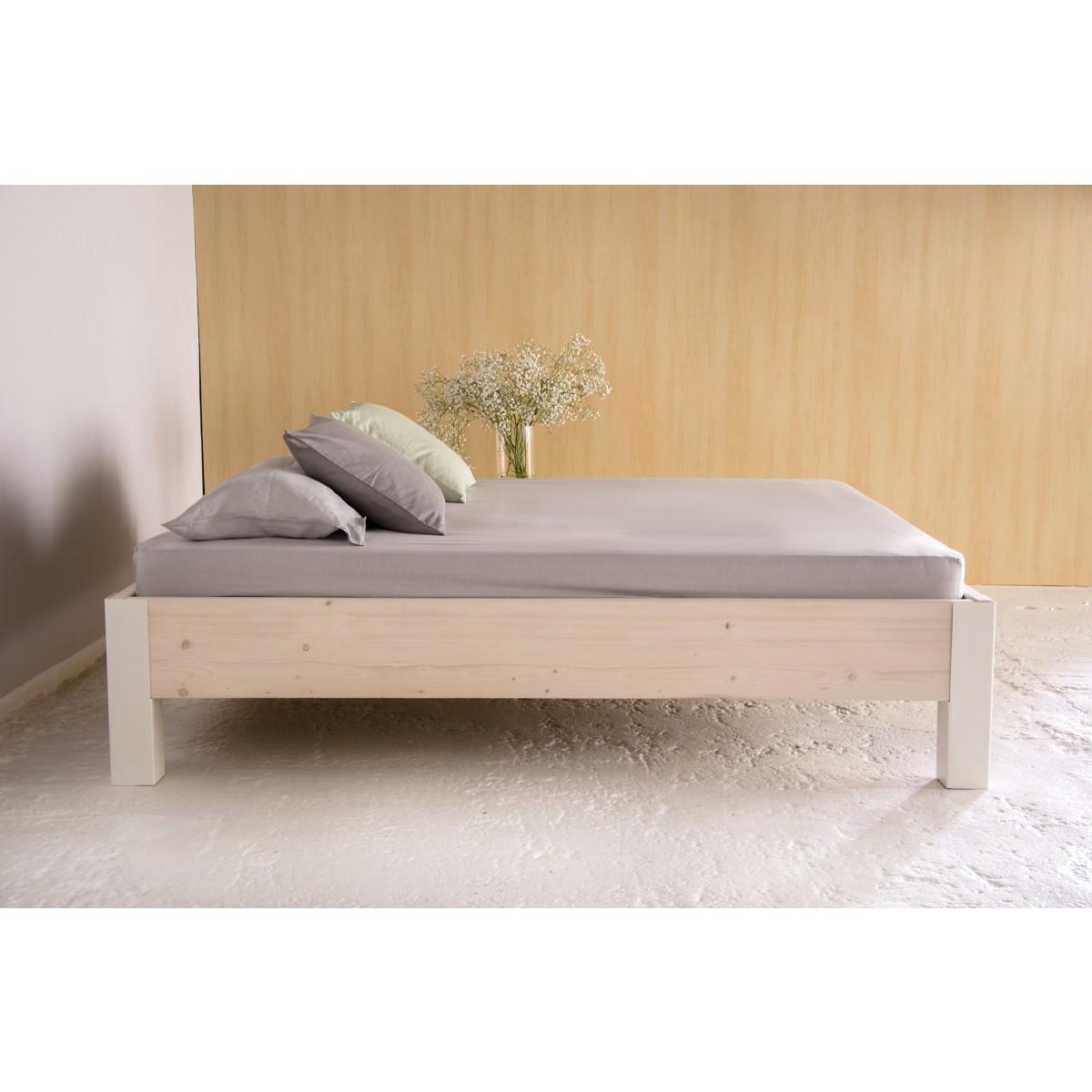 JOHANENLIES | Industrial Bett aus Bauholz & Eisen PITERNET
