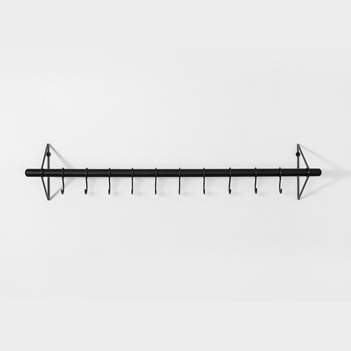 SOLID Flurgarderobe in Schwarz (schwarze Eichenholzstange) mit schwarzen Haken | Result Objects