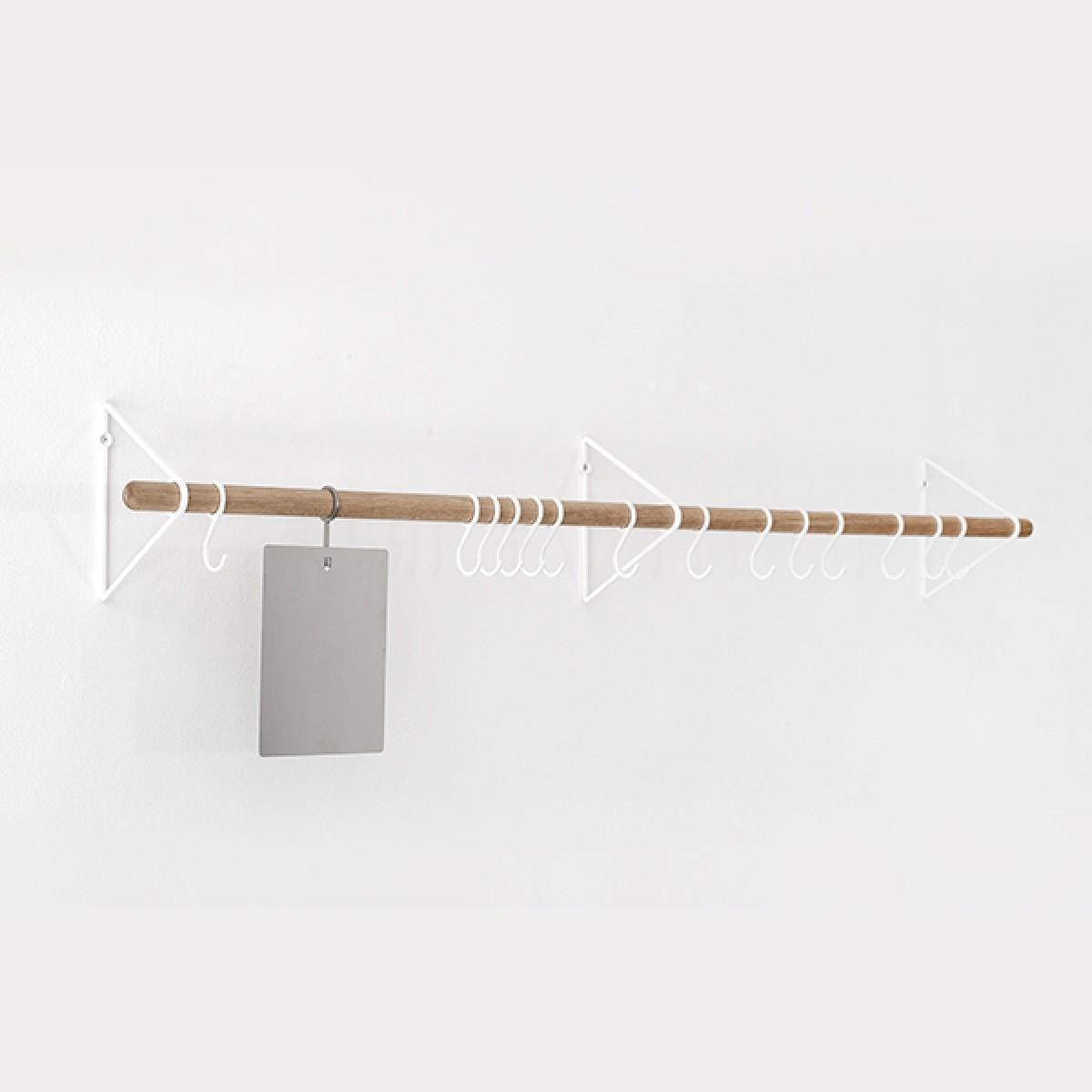 SOLID Flurgarderobe in Weiß mit weißen Haken | Result Objects