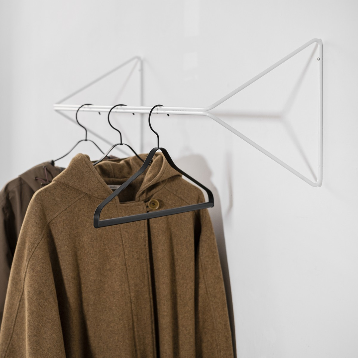 SYNC Garderobe Weiß | Result Objects