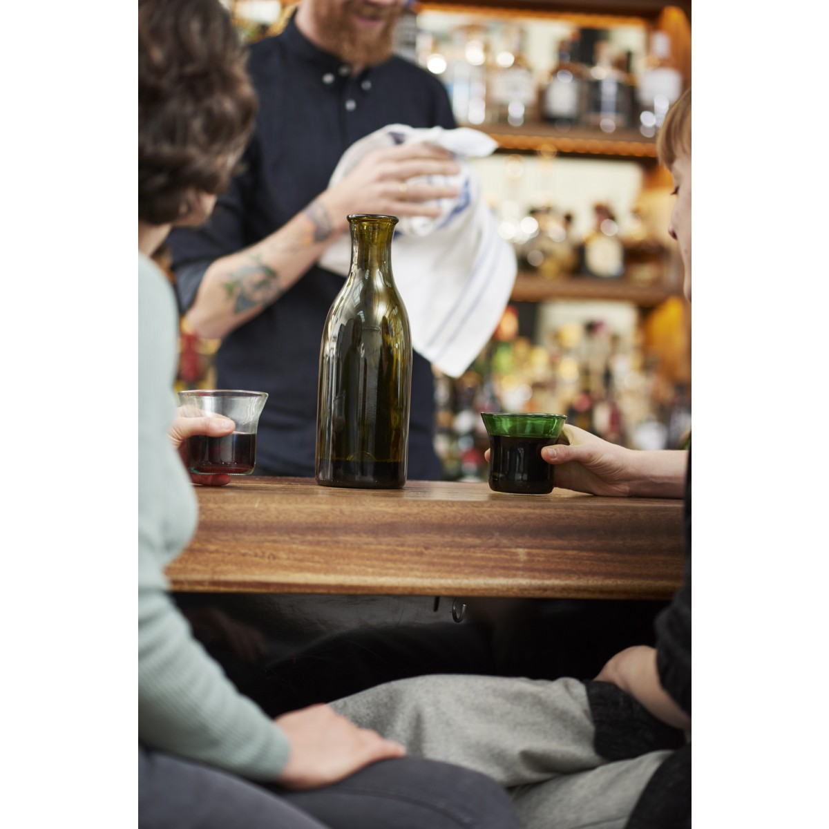 SAMESAME No 06/02   Stapelbecher aus verschiedenfarbigen Weinflaschen (2er-Set)