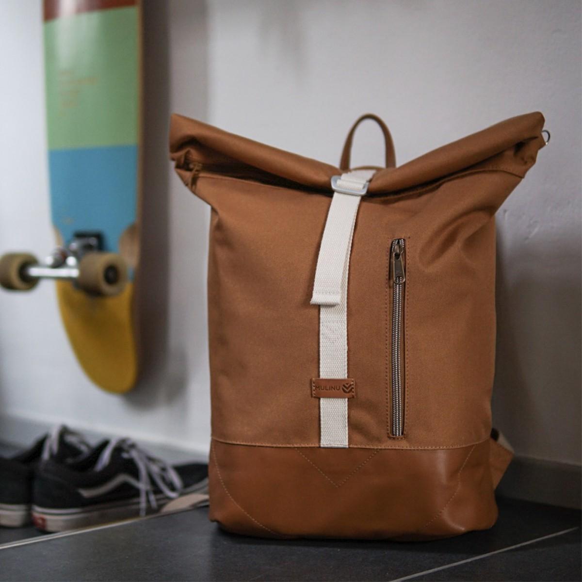 MULINU – Erweiterterbarer Rucksack UNIQUE ALBERT 2 Zimt Cognac Leder
