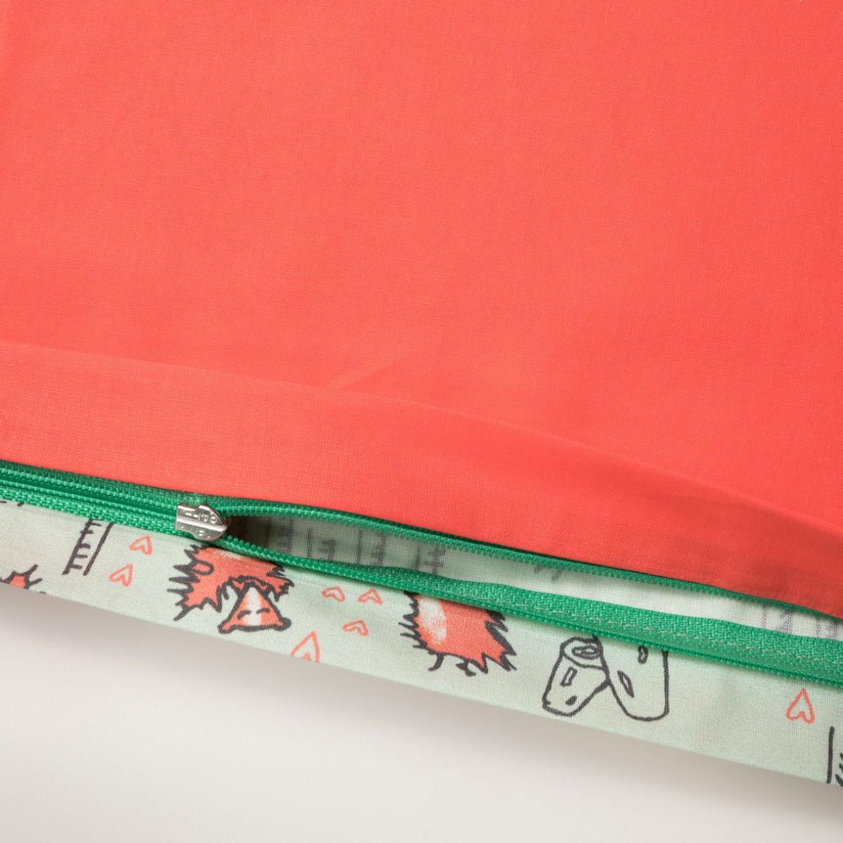 sch n oder verliebte stinktiere bettw sche 100 x 135 60 x 40 cm green lily hot moral. Black Bedroom Furniture Sets. Home Design Ideas