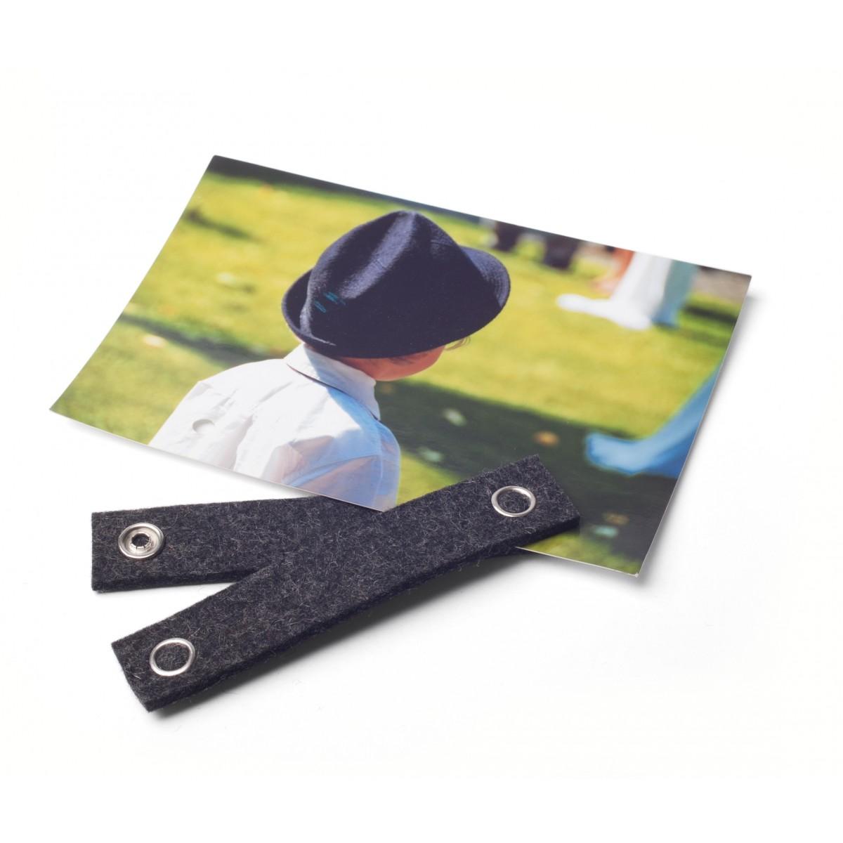 STAND UP filz-Kartenhalter