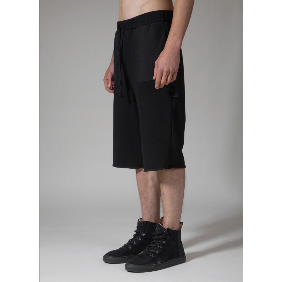 TRINITAS Raw Short Pants