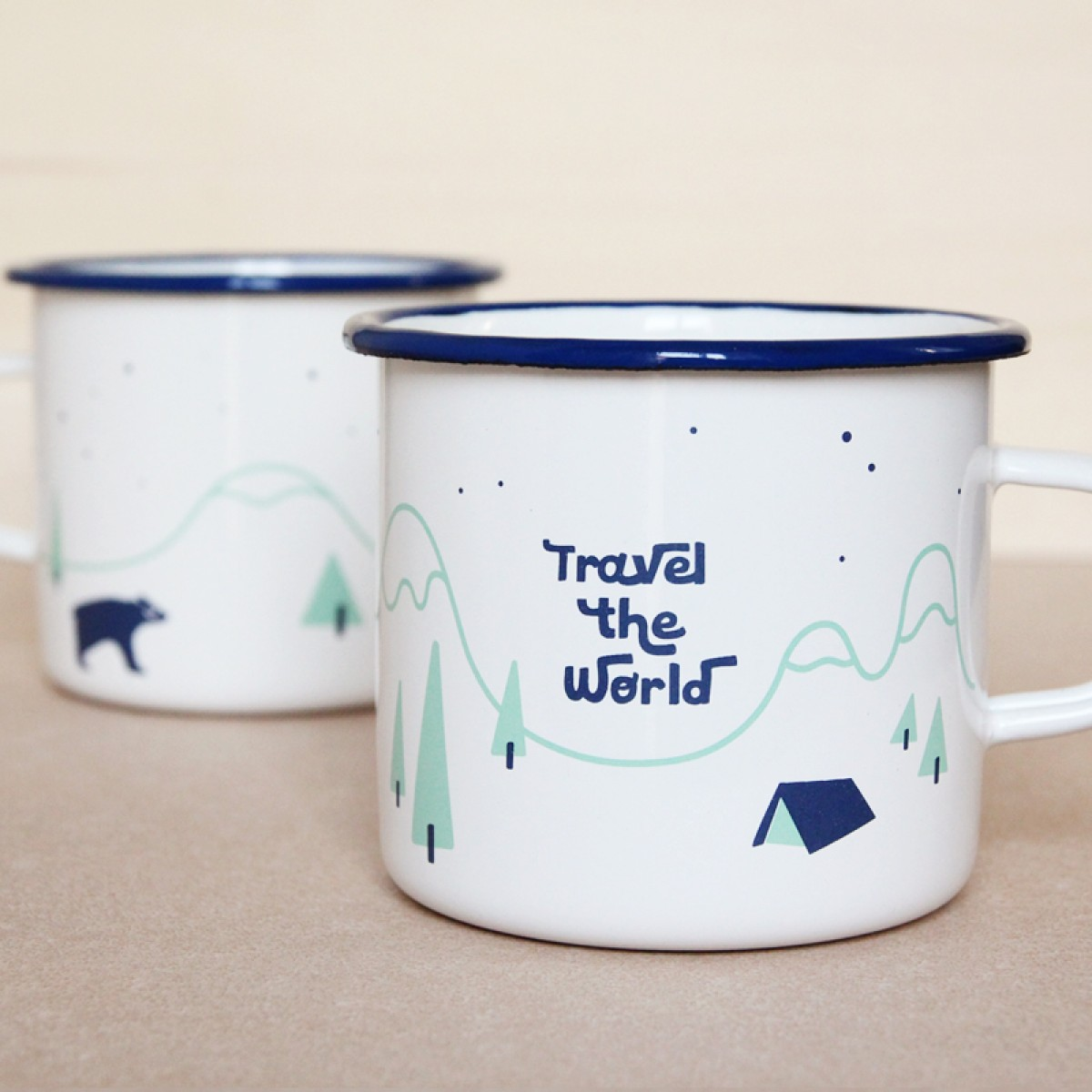 JUNOgraphics Emaillebecher 430 ml – Travel the World