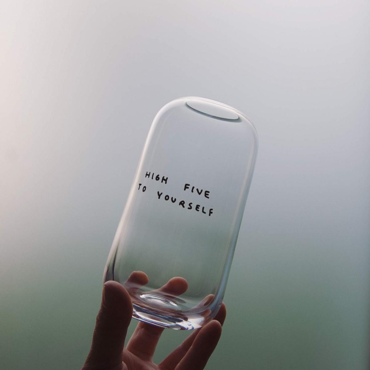 HIGH FIVE Vase - Johanna Schwarzer