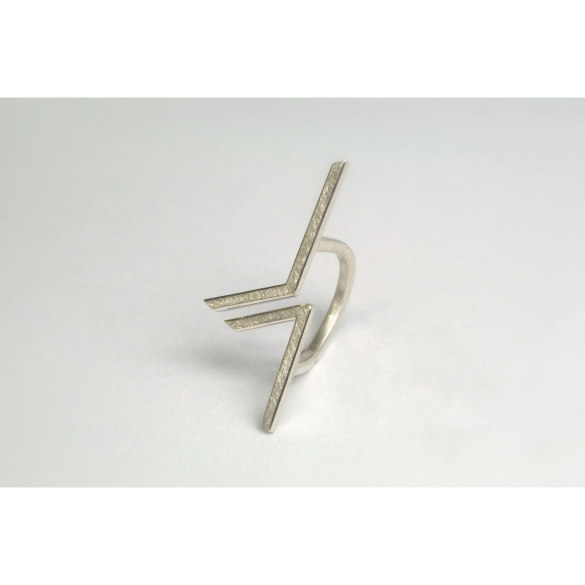 "DOPPELLUDWIG Ring ""GEZACKT"" aus 925/- Silber"
