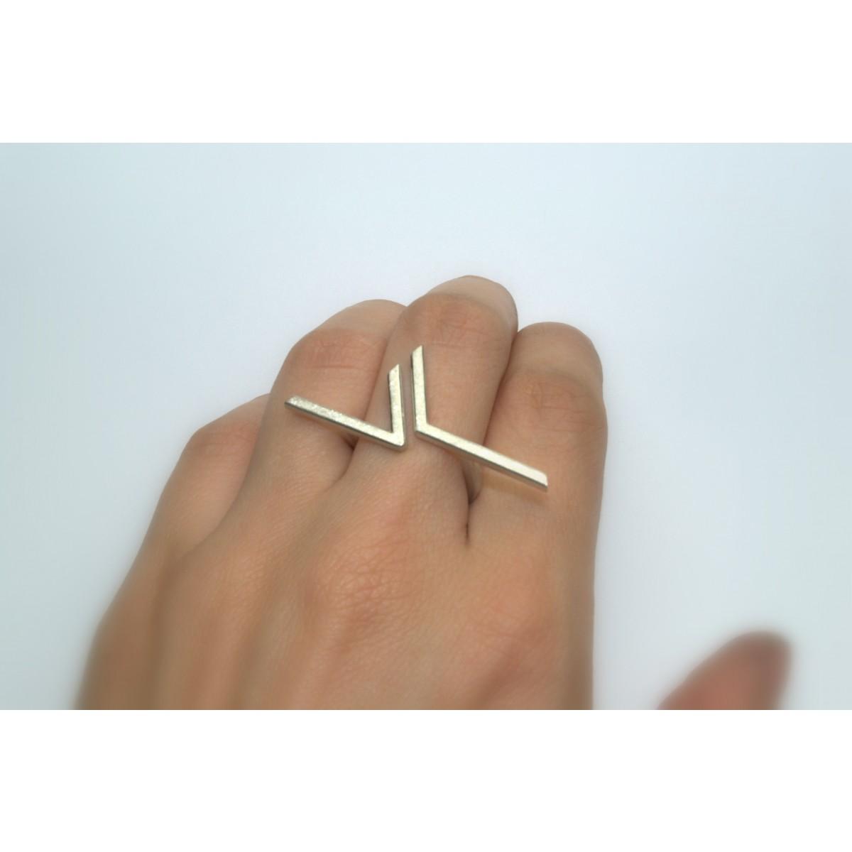 """Ring """"GEZACKT"""" aus 925/- Silber"""