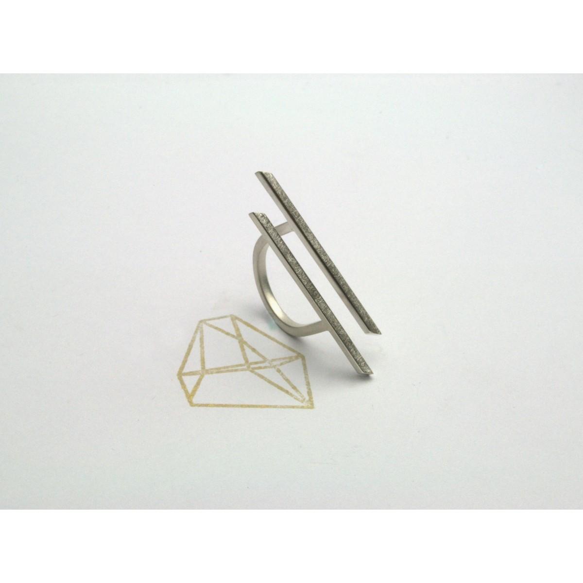 "Ring ""NIVELLIERT"" aus 925/- Silber"