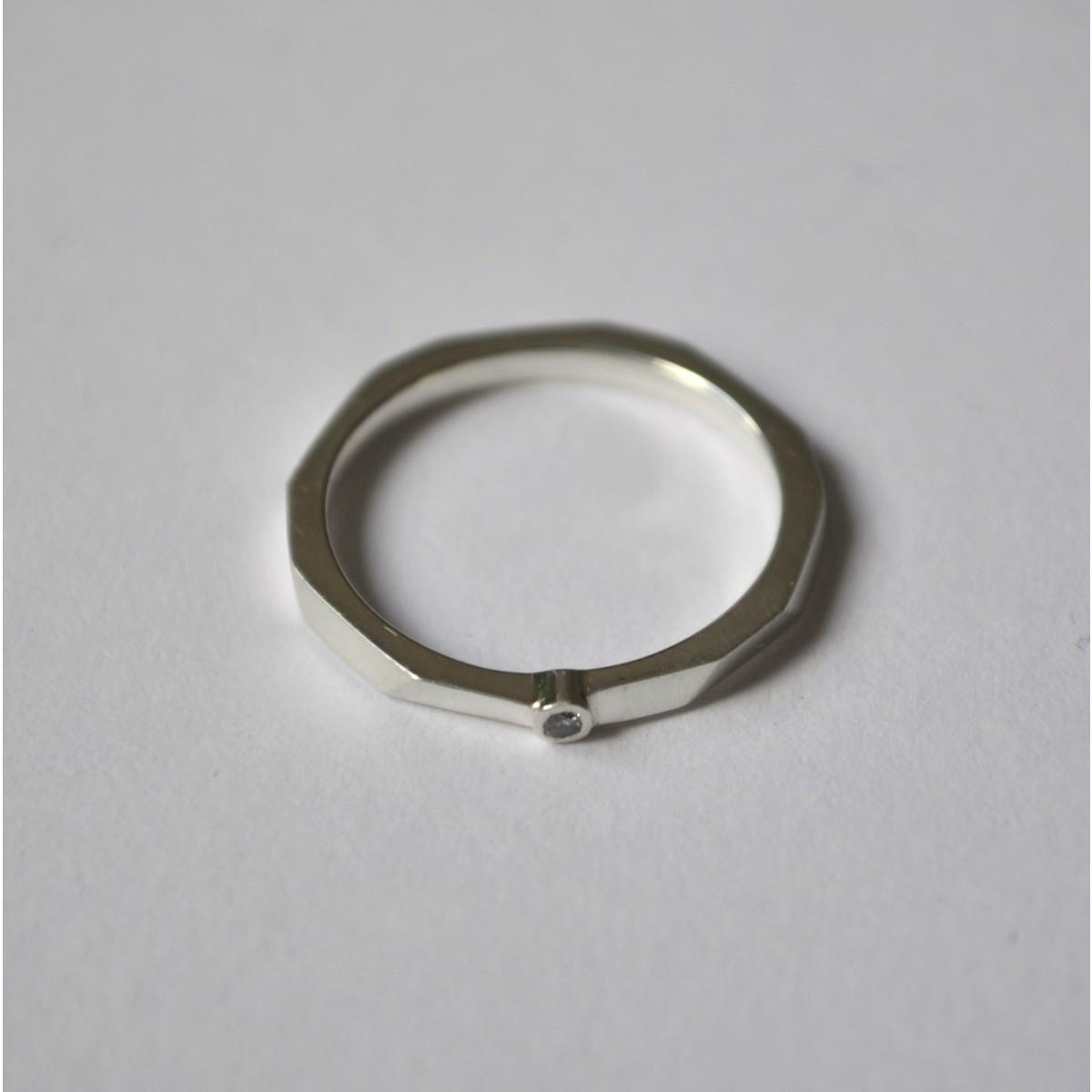 """Ring """"Verkantet"""" mit Brillant aus 925/- Silber von Doppelludwig"""