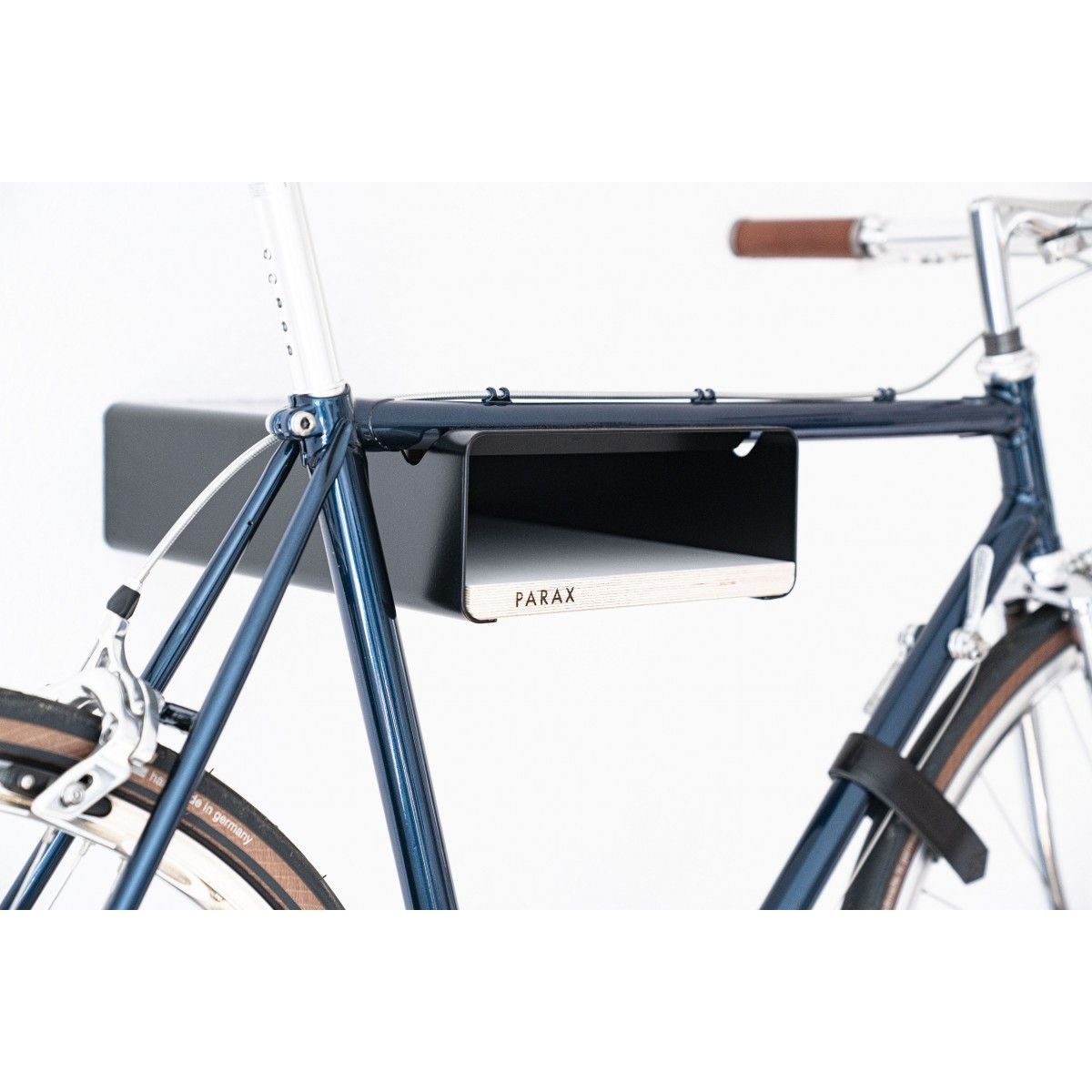 Design Fahrrad-Wandhalterung | PARAX® S-RACK | Schwarz mit Holz Weiß | für Rennrad Hardtail & Cityrad