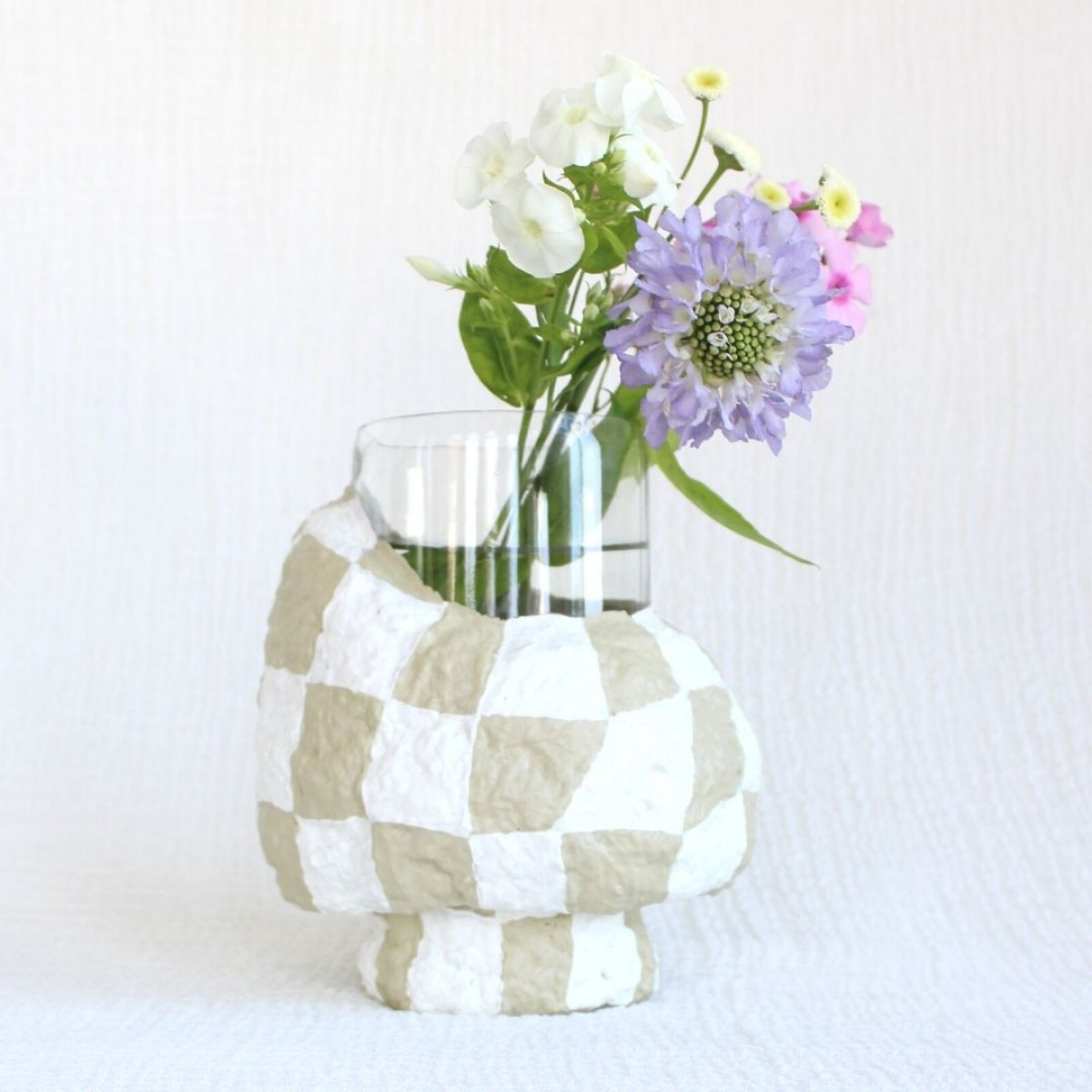 Catchup Studios - nachhaltige Vase - BEIGY Schachbrett Vase