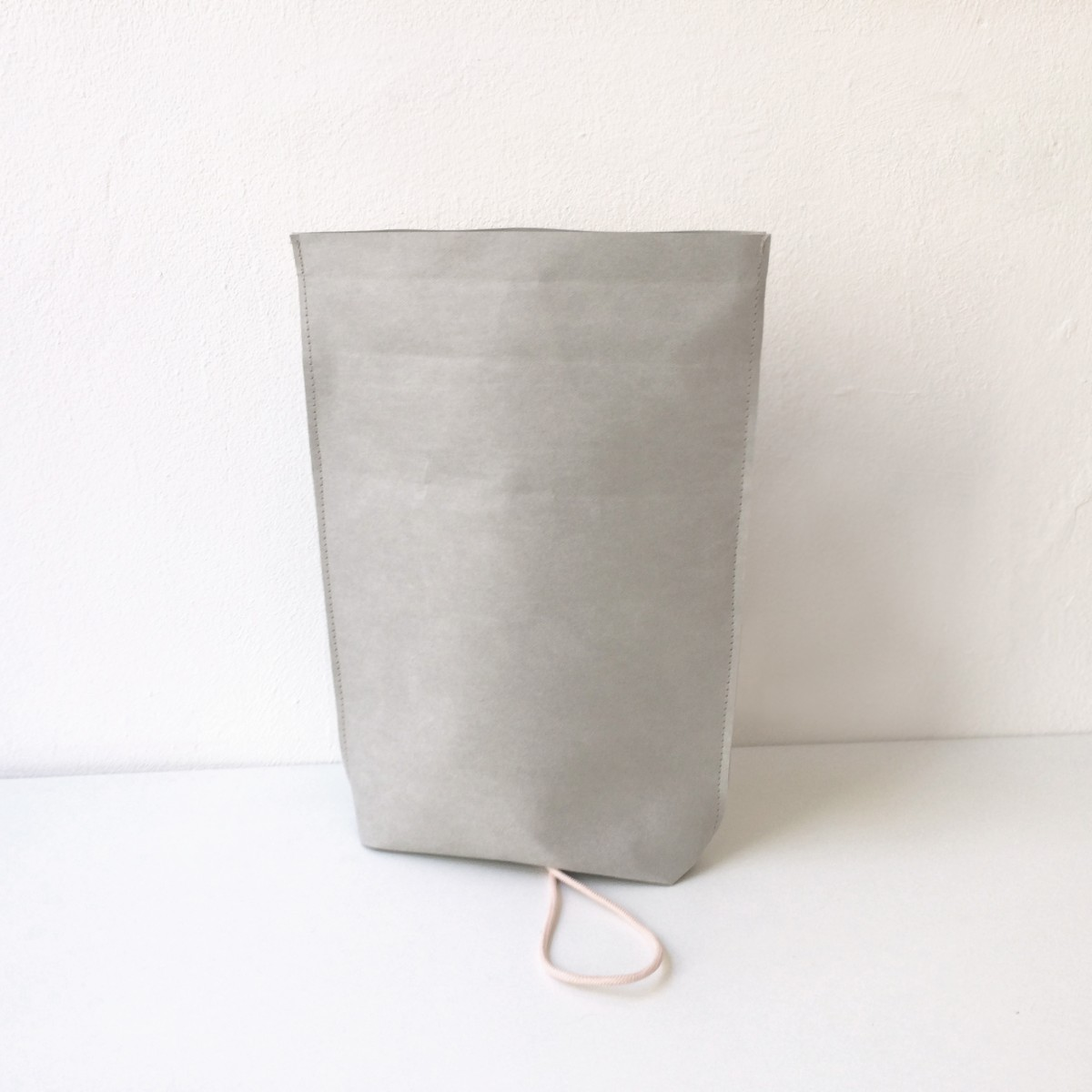 KAMI. cosmetic bag – grey
