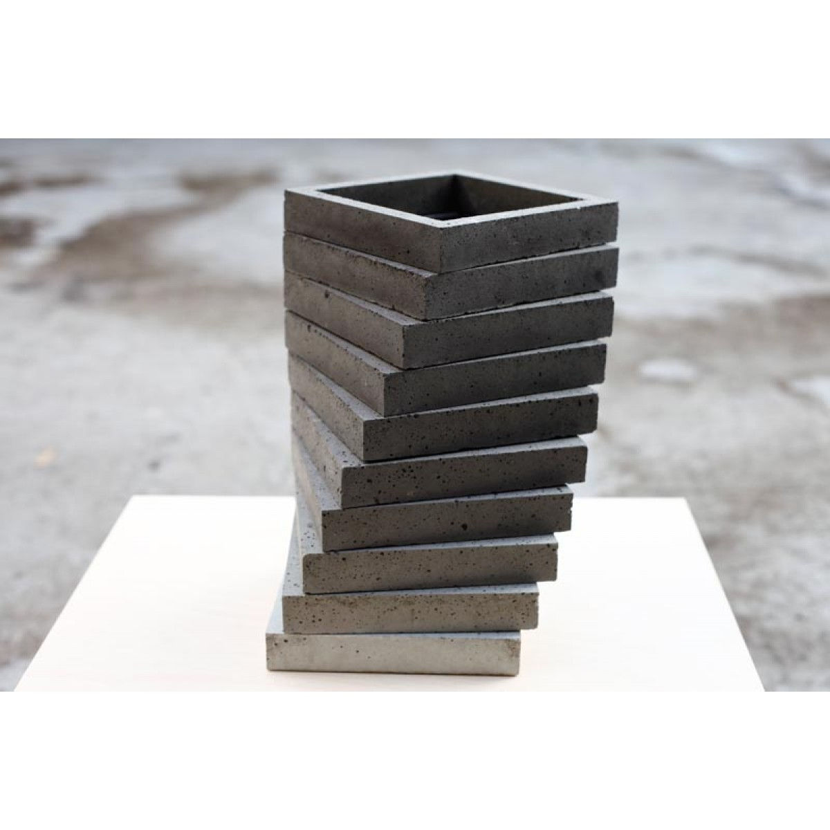 betonIDEE | drehverlauf Betonhalter/-vase