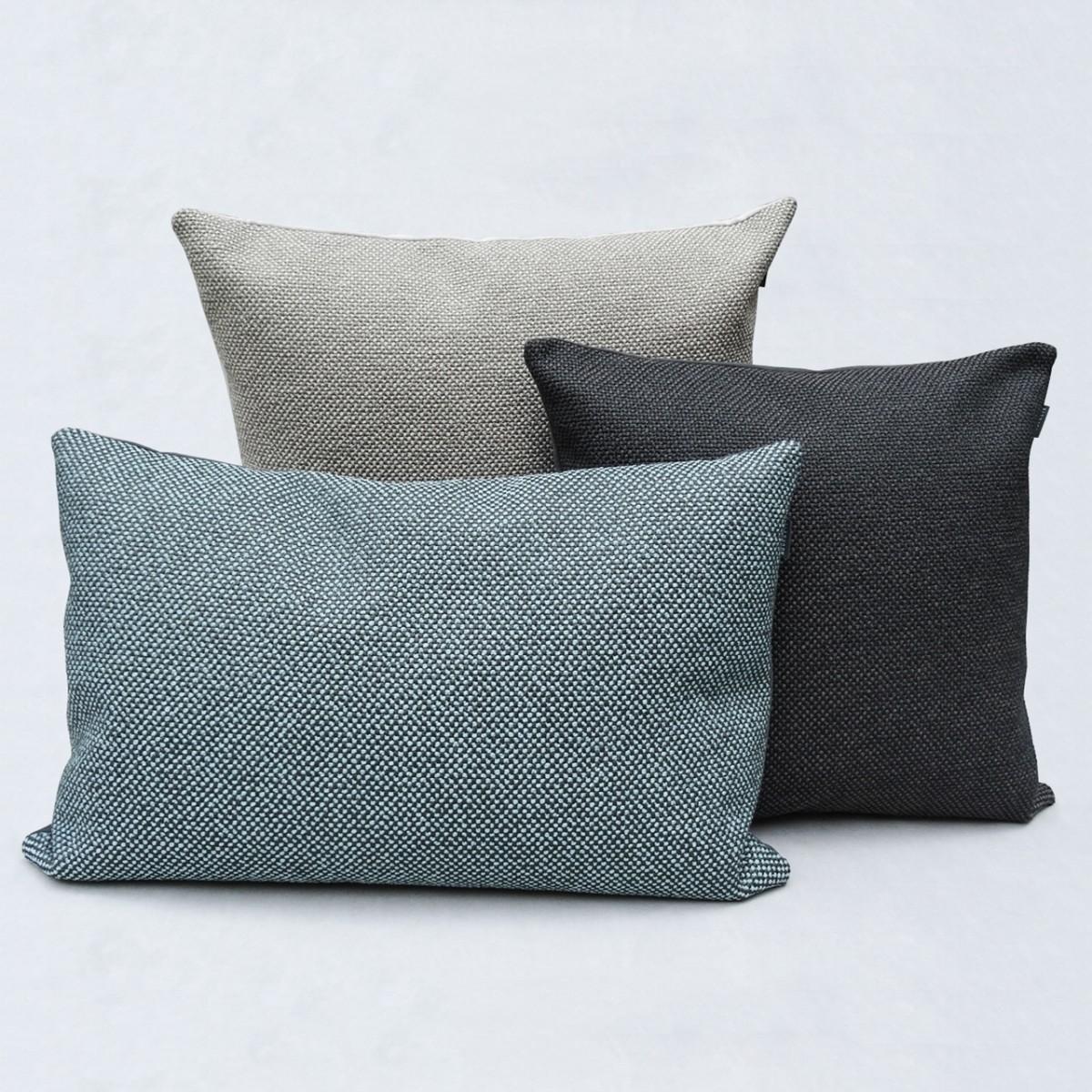 hook eye kissen 39 fat bo 39 50x50 in zehn farben. Black Bedroom Furniture Sets. Home Design Ideas