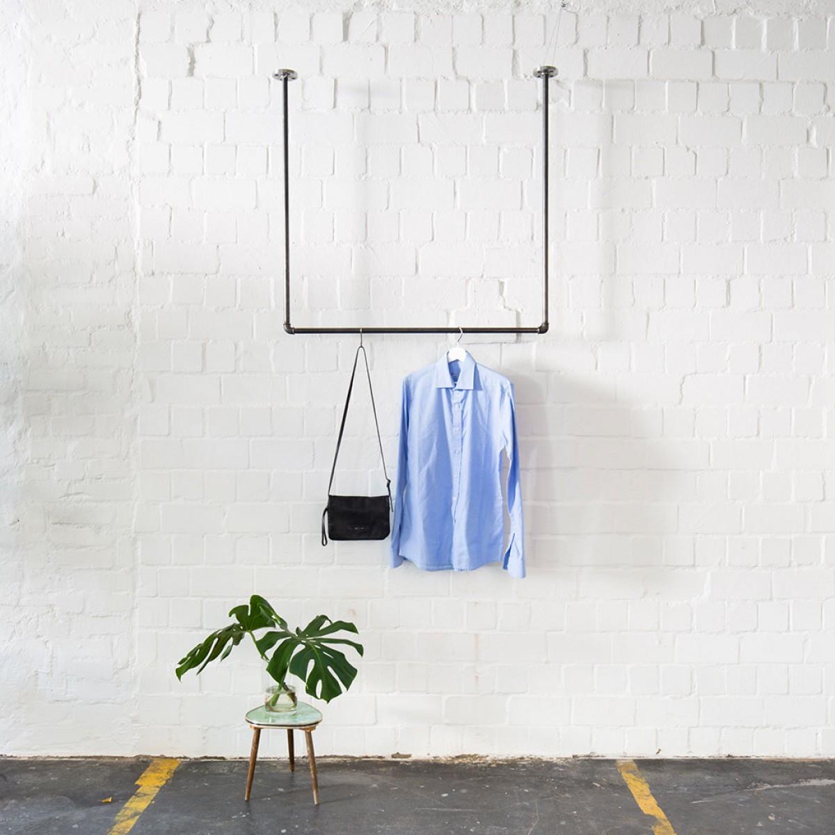 Kleiderstange für Deckenmontage im Industrial Design · Deckenbefestigte Garderobe SWING
