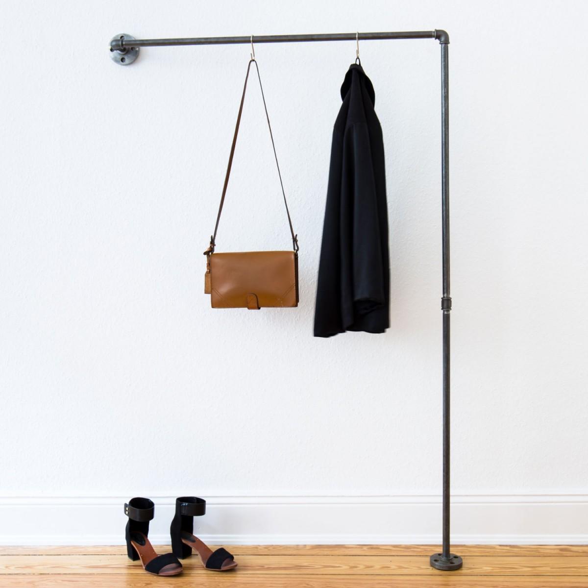 various Garderobe & Kleiderstange für schmalen Flur - Industrial Design aus Wasserrohr und Temperguss HALLWAY