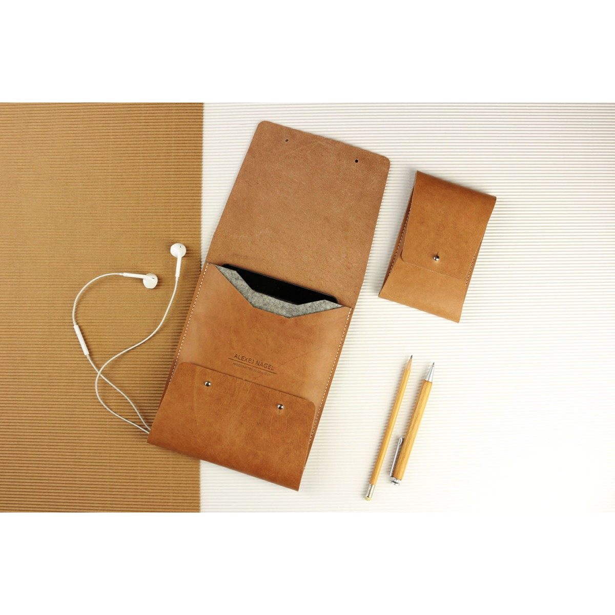 Alexej Nagel Elegante Hülle für iPad Air / Air 2 / Pro aus Vintage Leder [V]