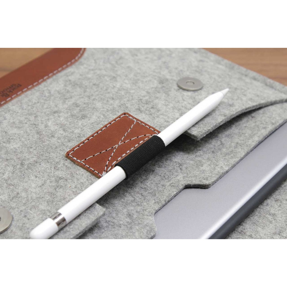 "iPad Pro 11"" Hülle, Case ""Hampshire"" 100% Merino Wollfilz, Pflanzlich gegerbtes Leder"