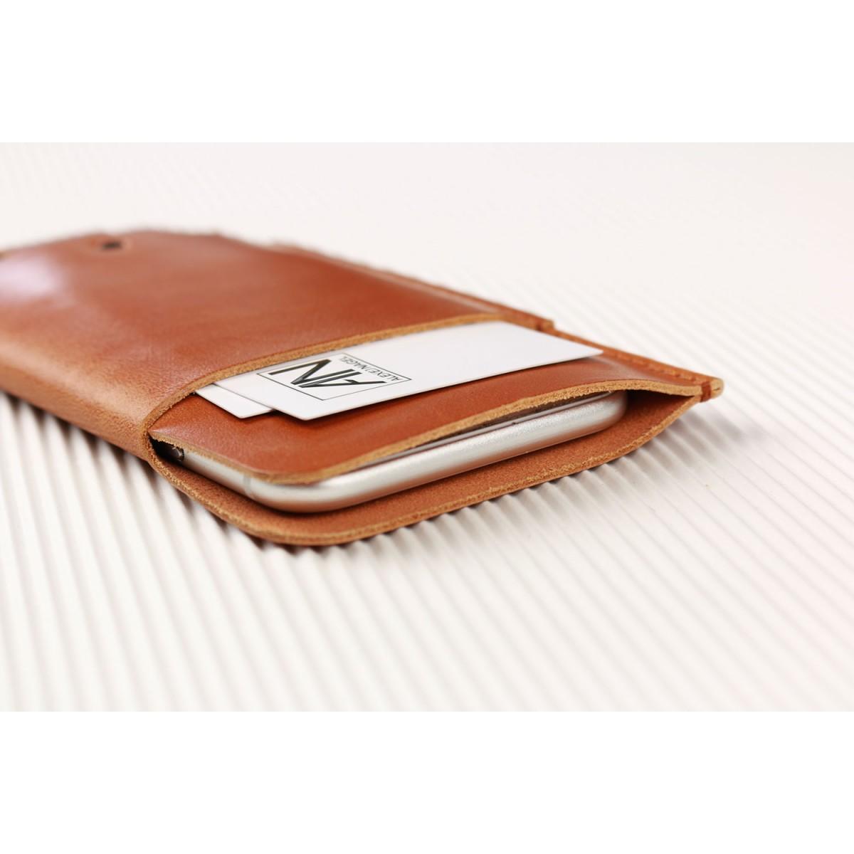 Alexej Nagel Slim Fit Hülle für iPhone 6 Plus / 6S Plus aus Premium Leder - Cognak [CO]