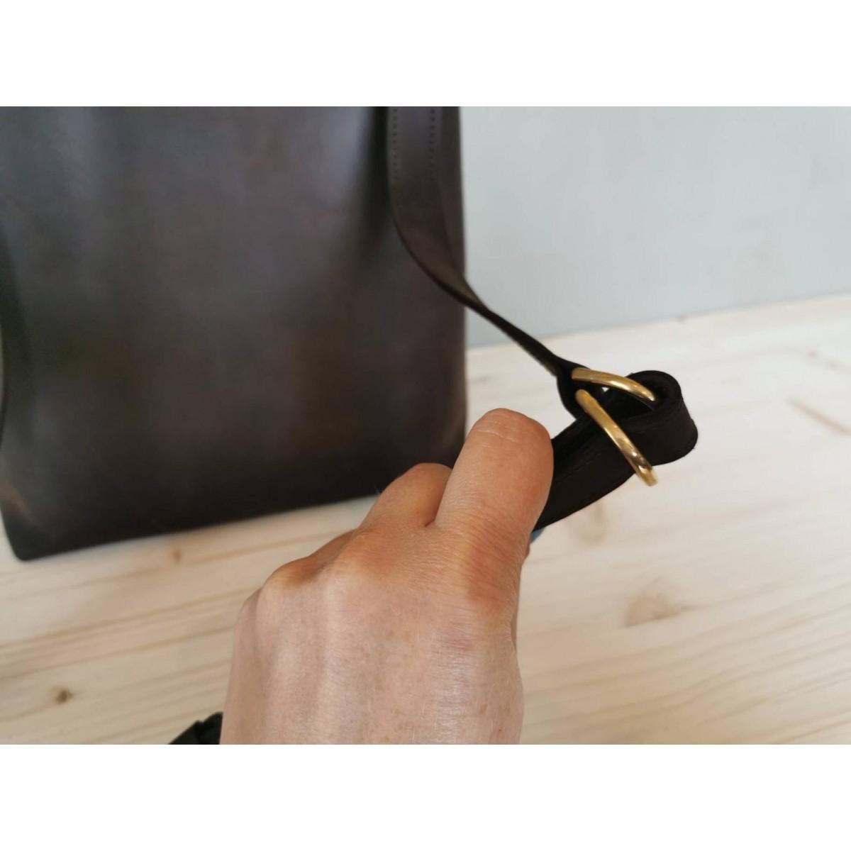 Leder Bucket Bag // Leder Beuteltasche // Bucketbag aus dunkelbraunem Leder // chestnut Umhängetasche // boho