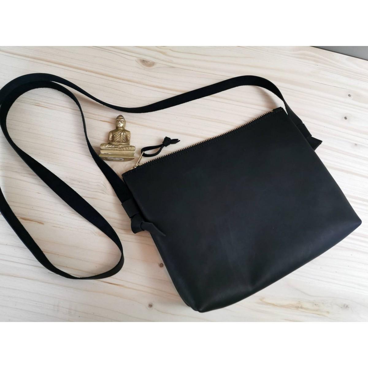Kleine Crossbody Tasche // schwarze Leder Tasche // Festival Bag // Ausgehtasche // Leder Umhängetasche