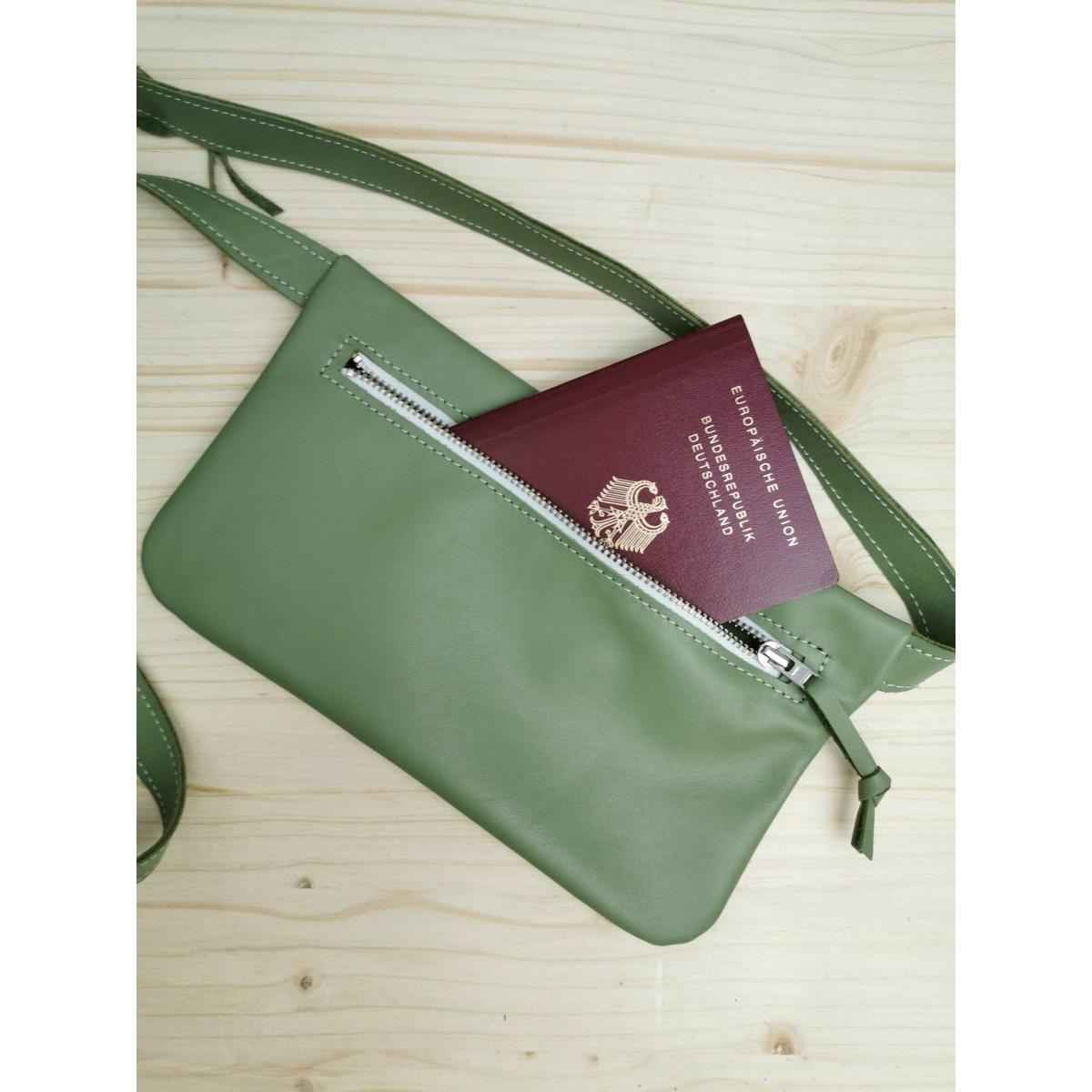 Grüne Leder Gürteltasche // Hüfttasche Mintgrün // Hip bag leather // Fanny Pack // Crossbody // Festival Bag // Bauchtasche // Boom bag