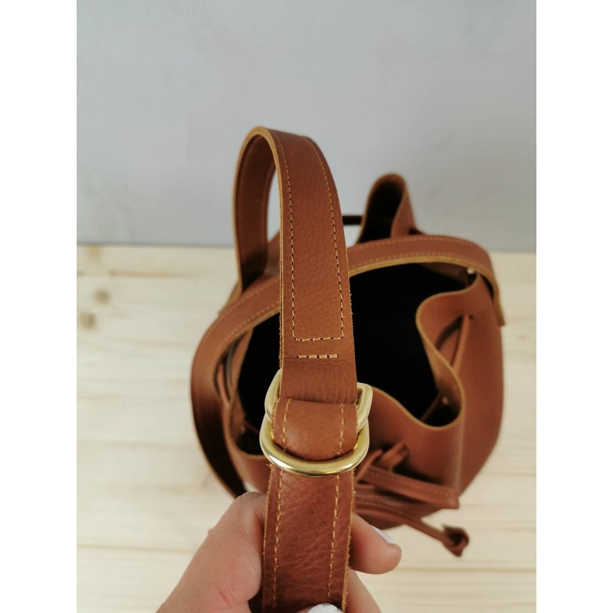 Bucket Bag Leder // Leder Beuteltasche // camel braune Bucket Bag // Slouchy Bag // tumblr
