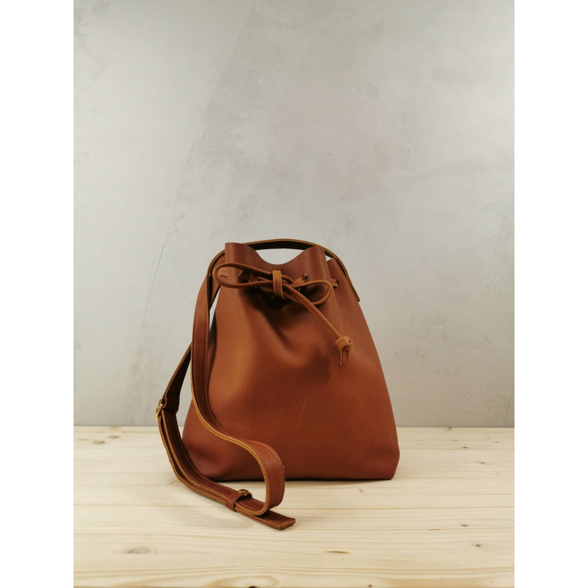BSAITE Beuteltasche aus echtem Leder / Bucket Bag / braun