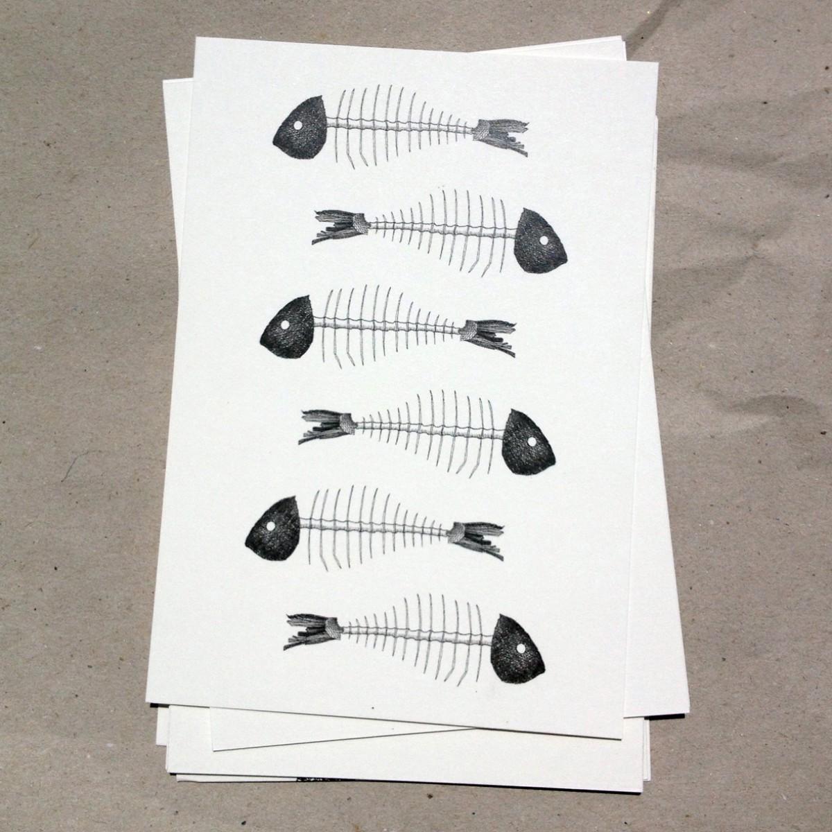 thethe FISHY BONES Postkarte