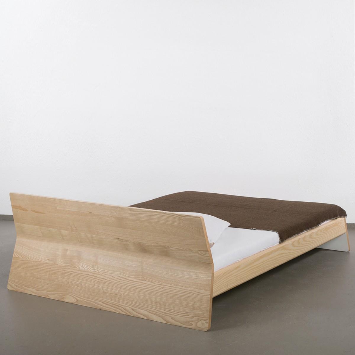 ellenbergerdesign Private Space Bett 140 x 200