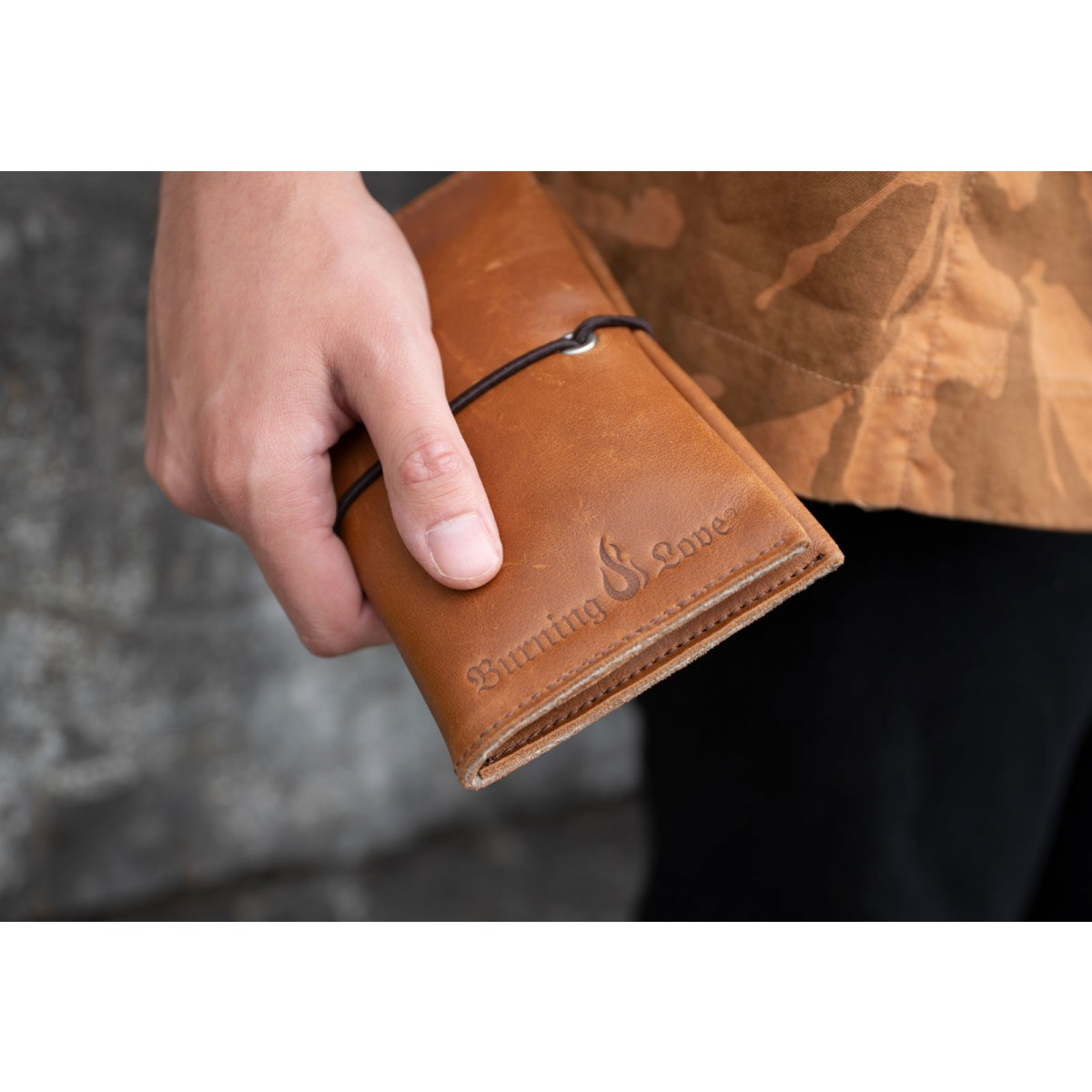 Love Leather Smoking Pouch - Leder Tabaktasche (cognac) - Burning Love