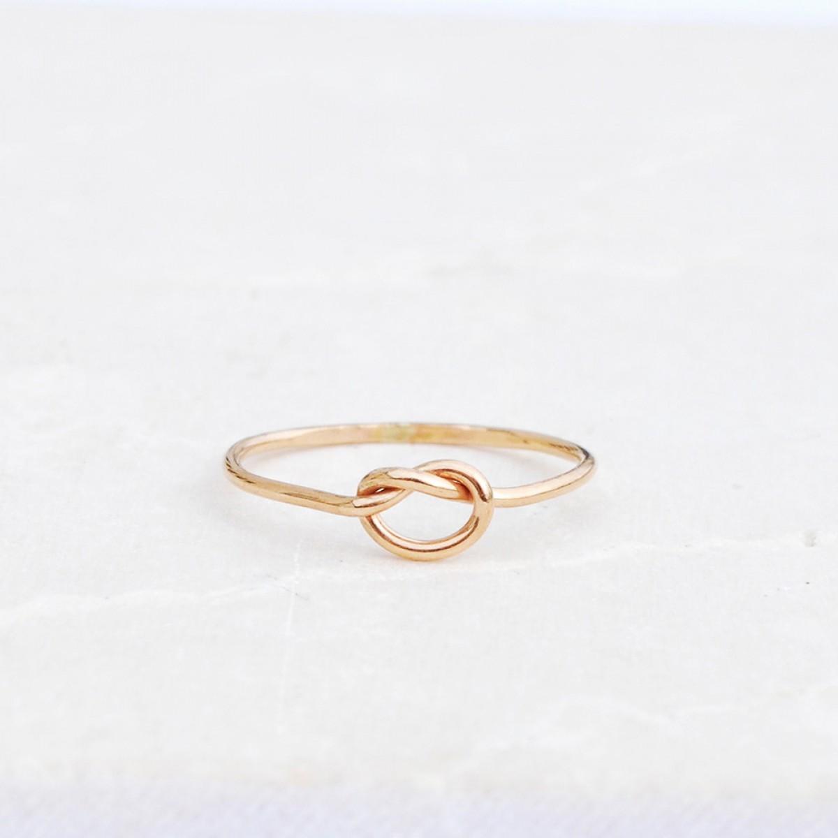 iloveblossom KNOTS OF LOVE RING // fine gold