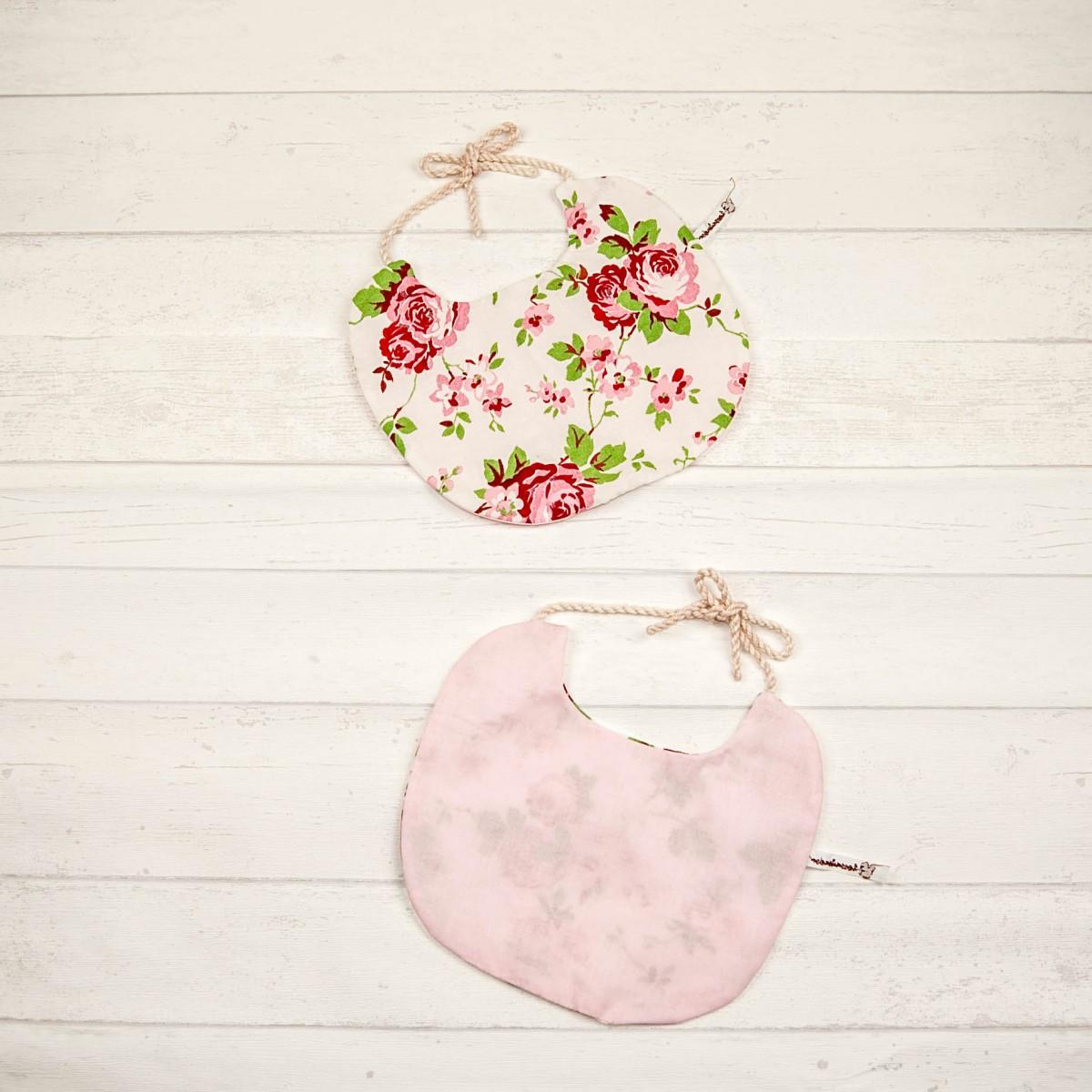 hasenkinder - wendbares Lätzchen Set rosen 23x19 cm (ohne Deko)