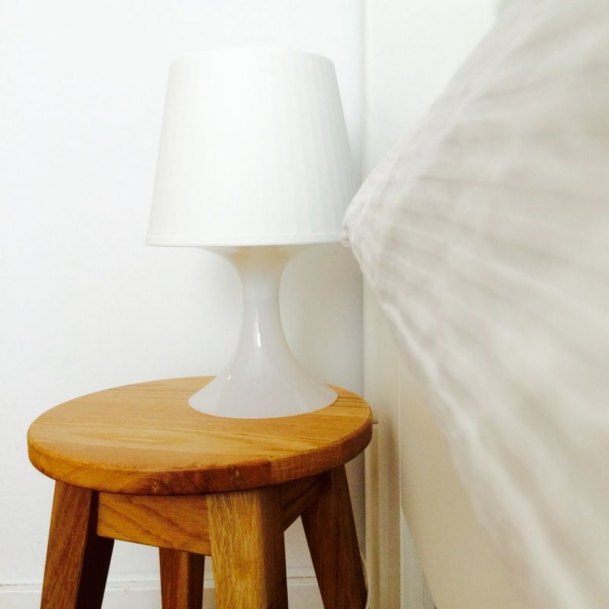 Mini Hocker Aus Eichenholz Anton Doll Holzmanufaktur Selekkt Com