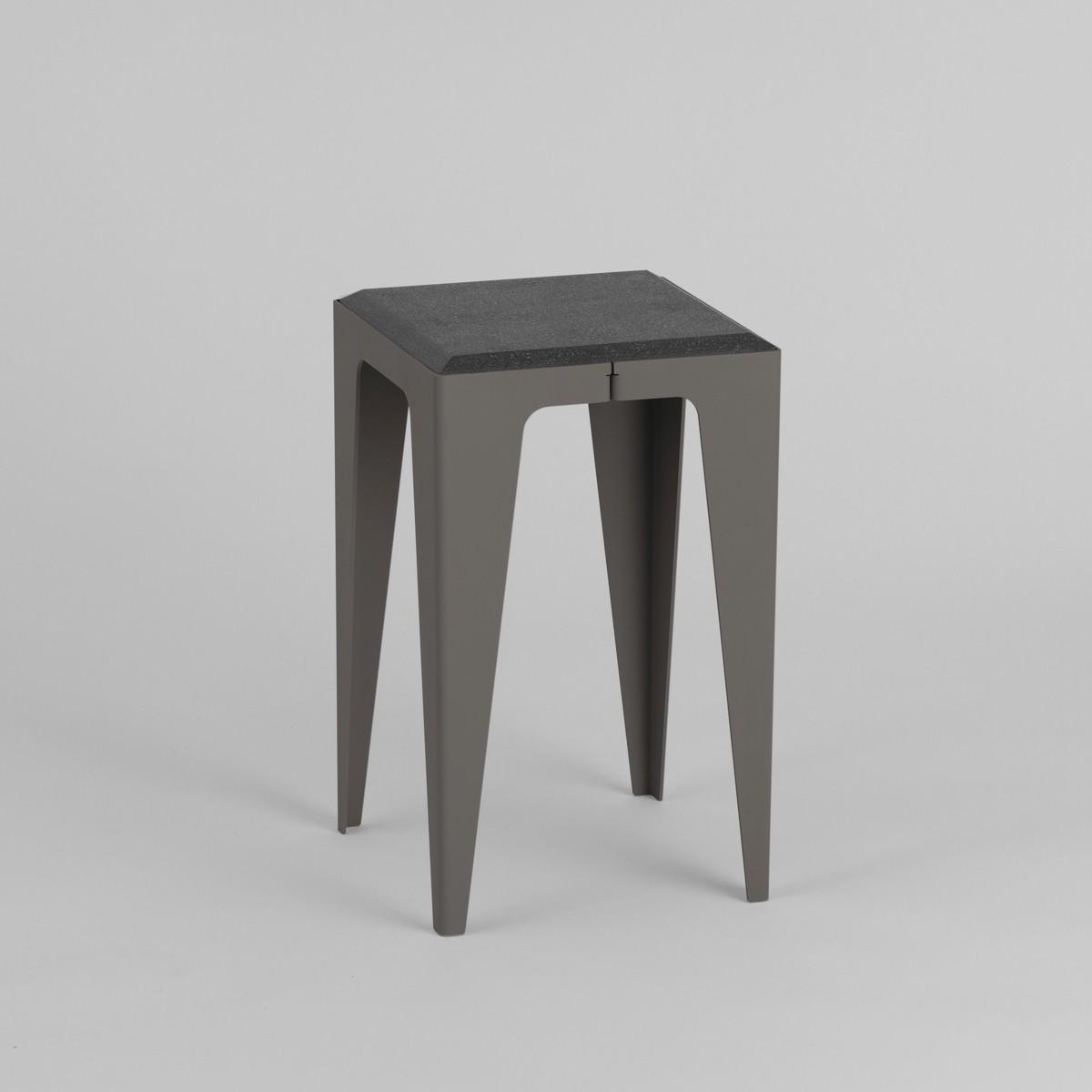 HOCKER |CHAMFER| Schiefer-Schwarz | nachhaltiges Möbeldesign | WYE