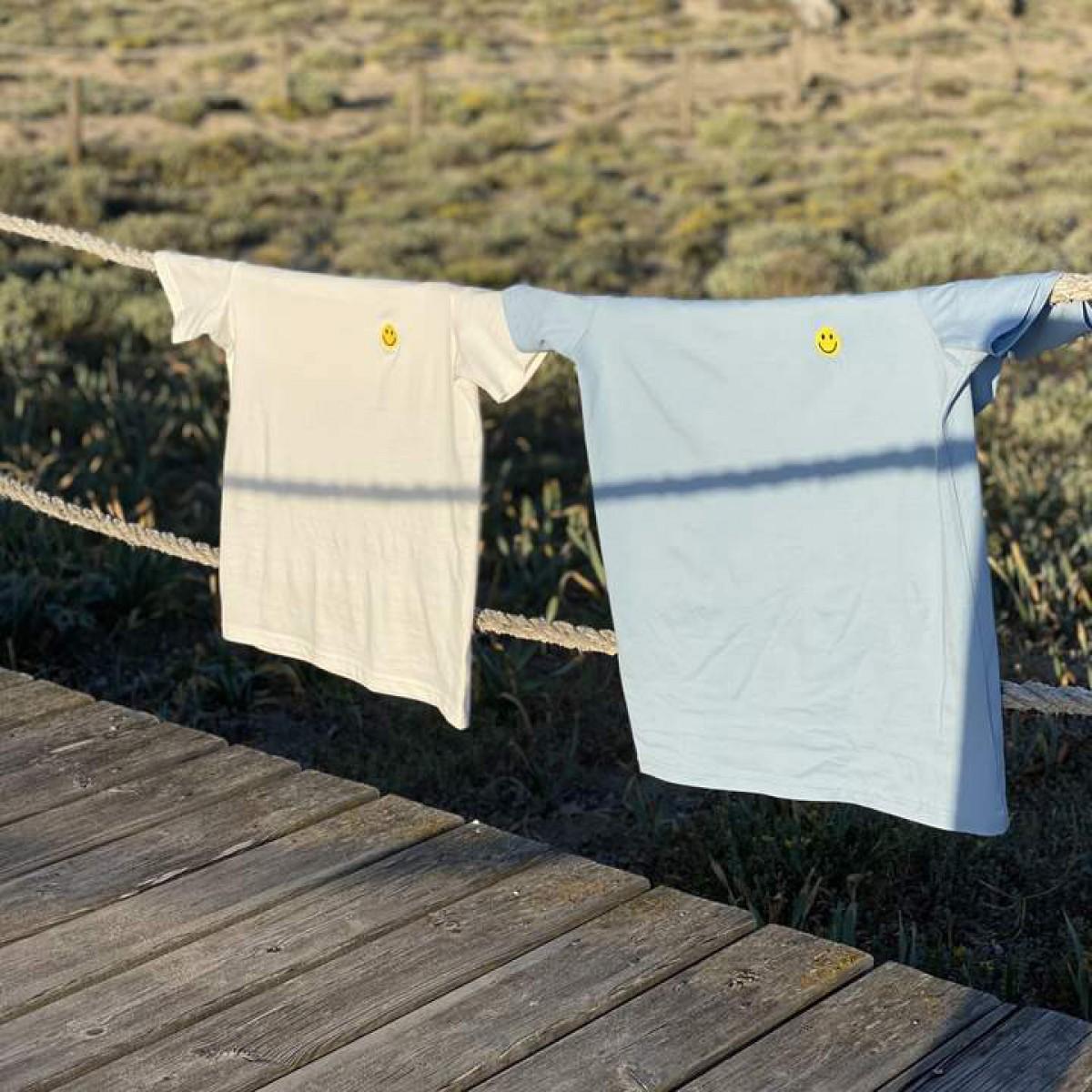 The Life Barn – Smiley T-Shirt Unisex (weiß)