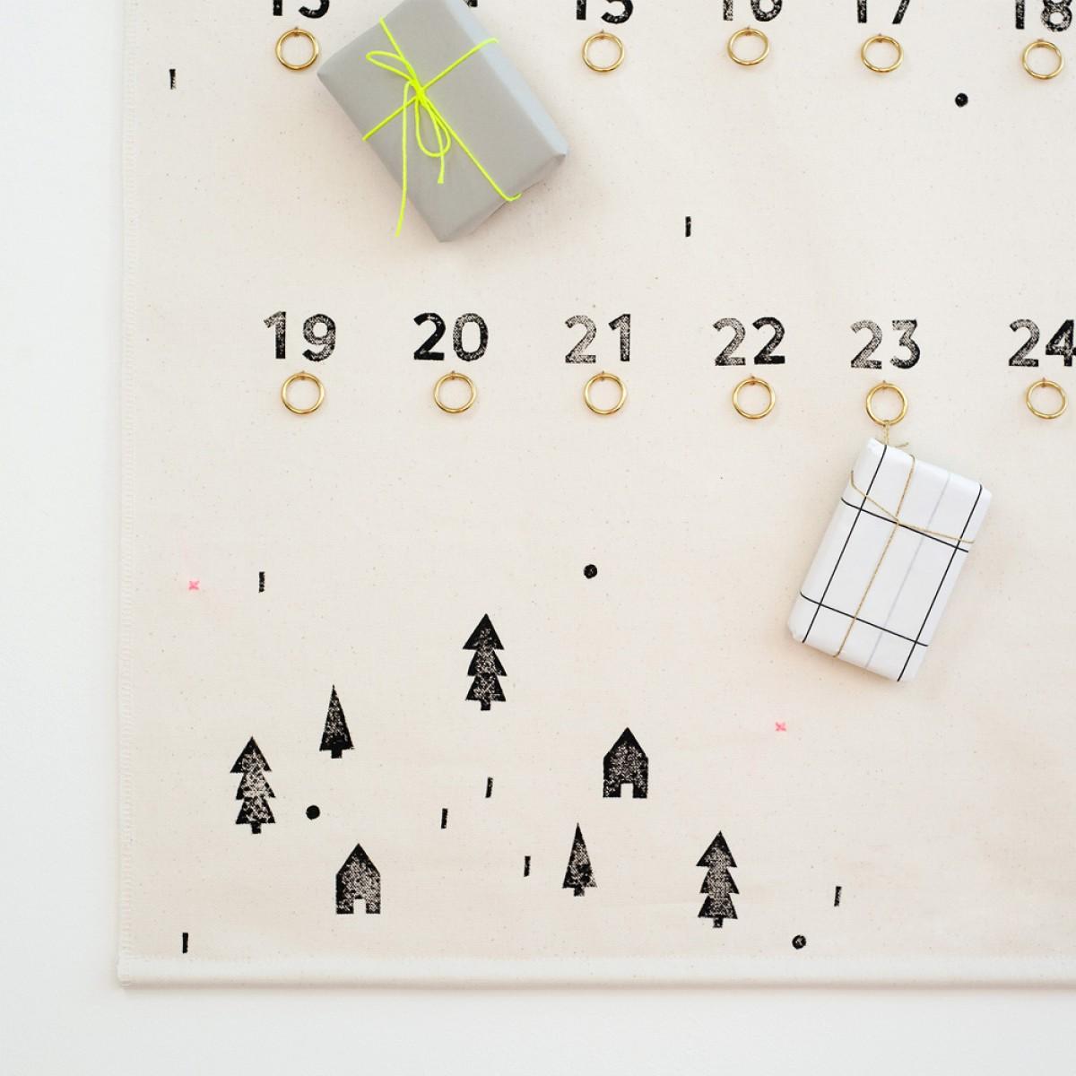 tinyday . Adventskalender aus Stoff . bestempelt . Wandbehang