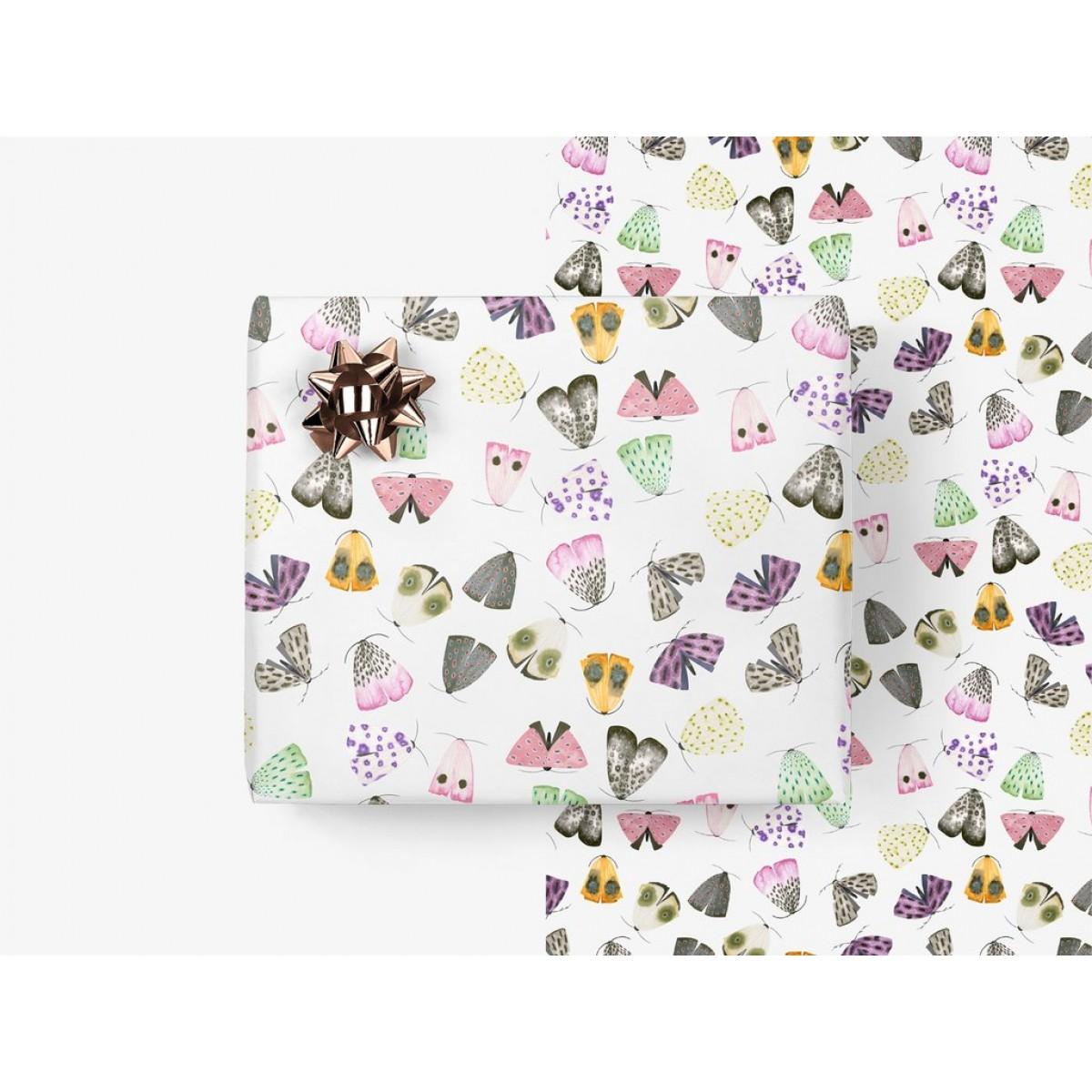 typealive / Geschenkpapier / Moths (gefaltet)