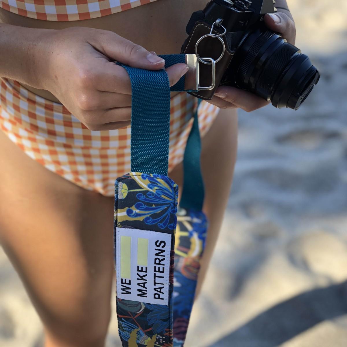 We Make Patterns - Camera Strap Jungle - Blue