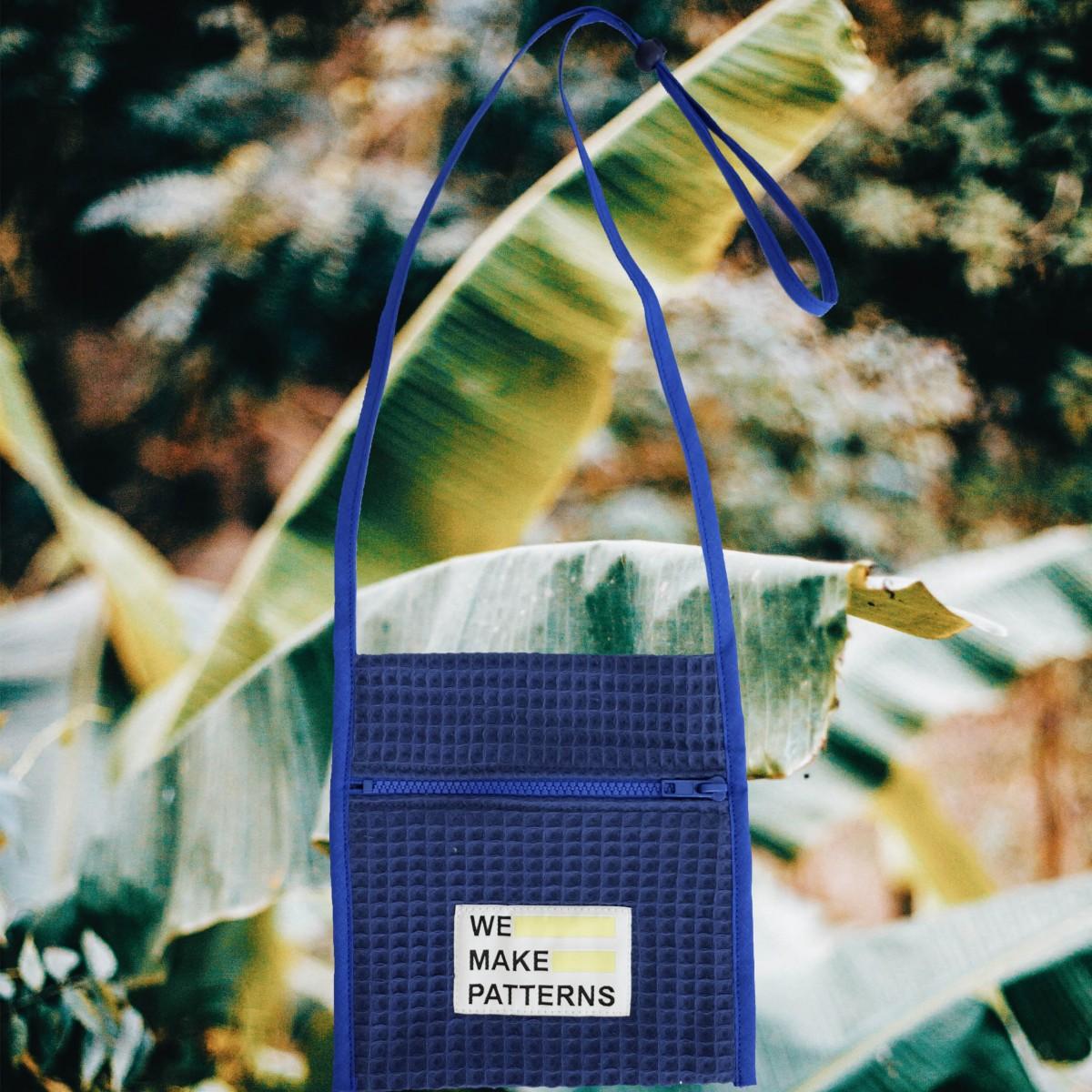 We Make Patterns - Traveller's Purse Blue