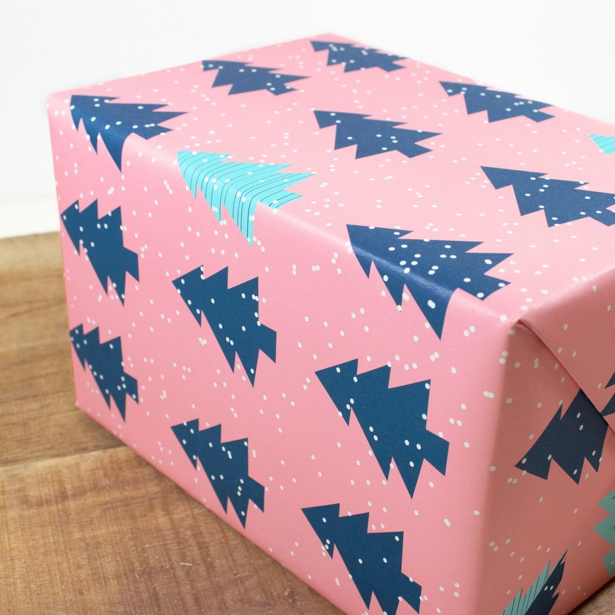 """Bow & Hummingbird Geschenkpapier """"Christmas Trees"""""""