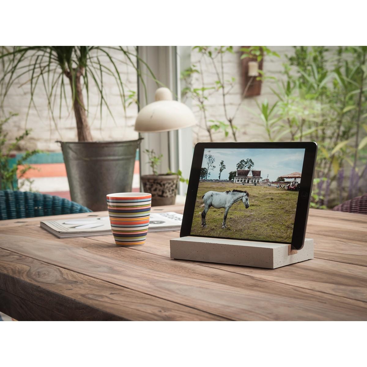 WOOD U? Halterung / Halter für iPad und Tablet aus Beton